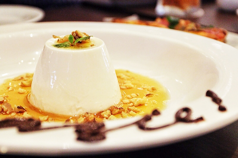 Honey with Walnuts Panna Cotta