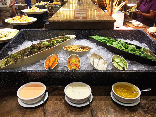 Grand Majestic: Salad Bar