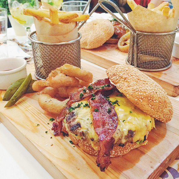 The Maple Burger, Php475