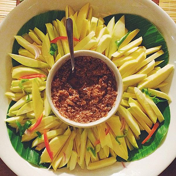 Green Mango w/ Bagoong