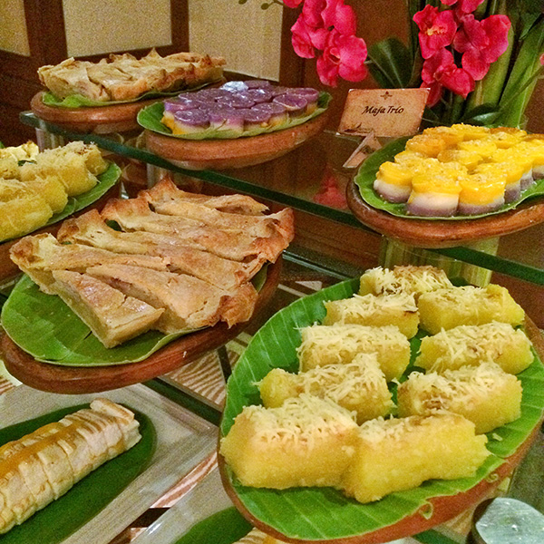 Assorted Filipino Desserts and Kakanin