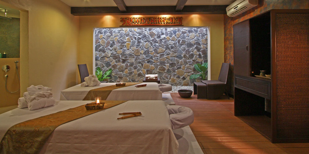 The Bellevue Resort: Azurea Spa