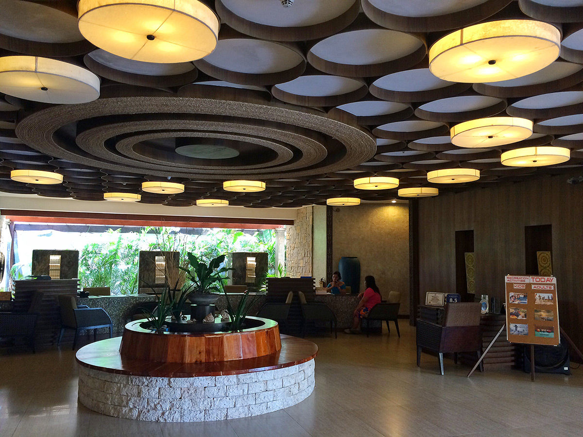 The Bellevue Resort: Reception Area