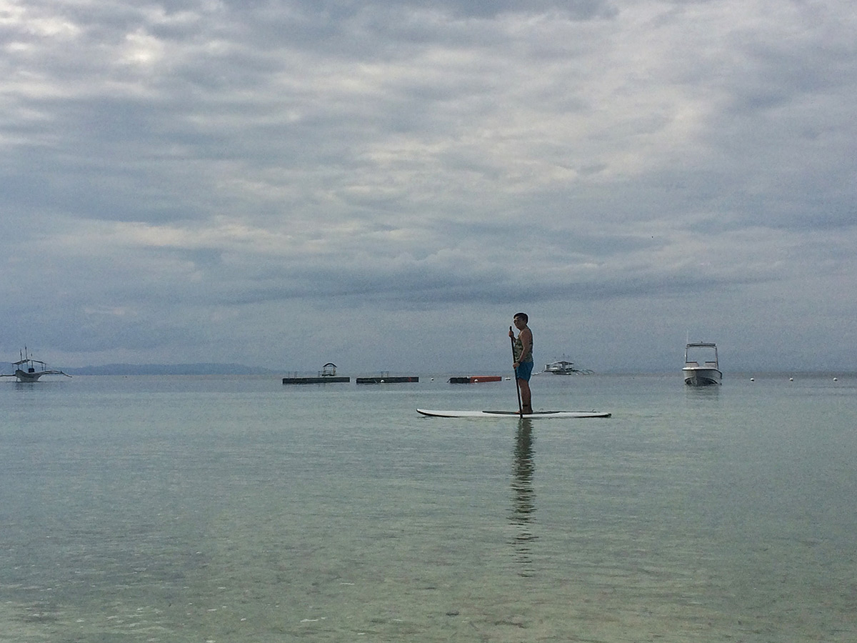The Bellevue Resort: Stand Up Paddle Boarding