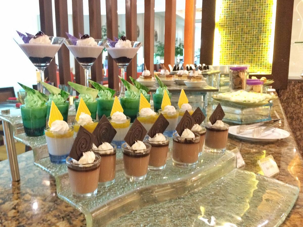 Uno: Dessert station