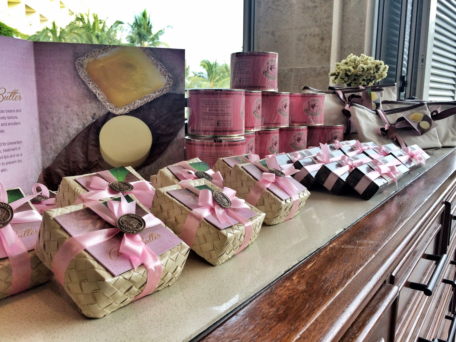 Shangri-La's Mactan Resort and Spa: Pink Merchandise by The Chocolate Chamber